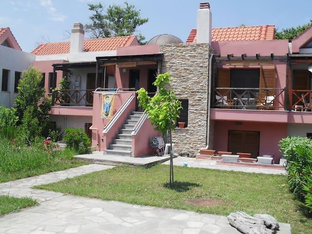 ΜΕΖΟΝΕΤΑ διπλα στην θαλασσα - Halkidiki - Rumah
