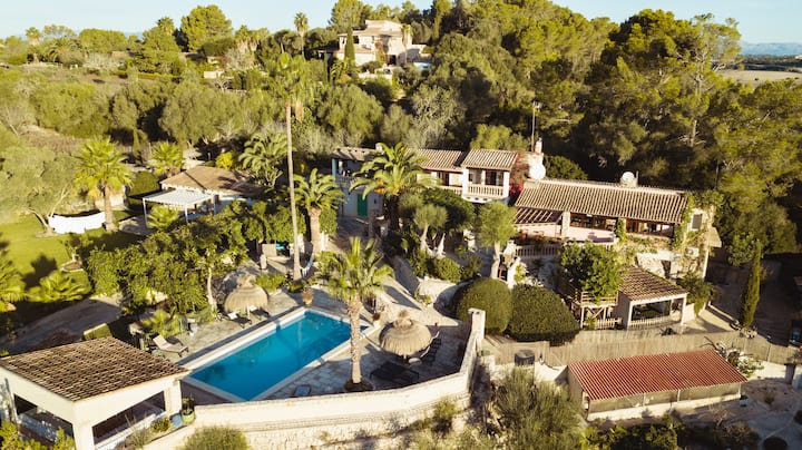 Finca s'Almudaina - authentic villa with pool