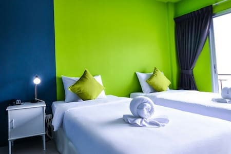 Deluxe room  twin bed - Patong - Apartmen