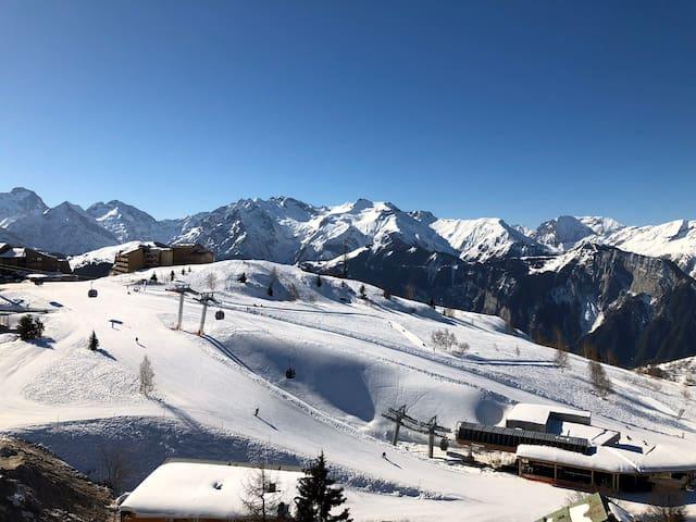 Alpe d'Huez Centre Station Plein Sud avec Vue