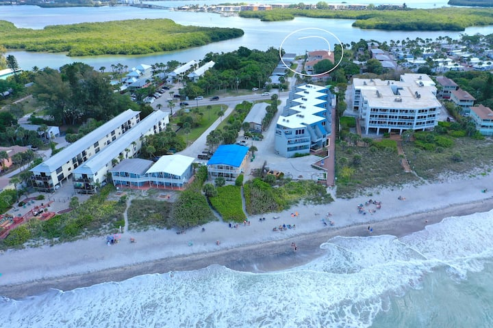 Manasota Key Condo with Private Beach Access! (B)
