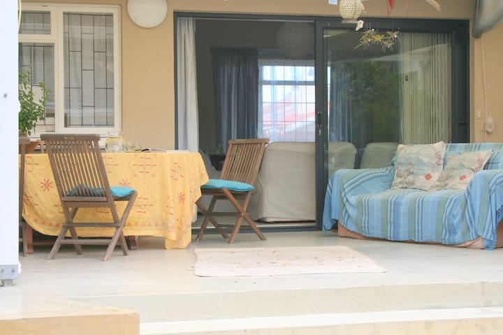 Fabulous Family Accommodation - self catering - Kaapstad - Huis