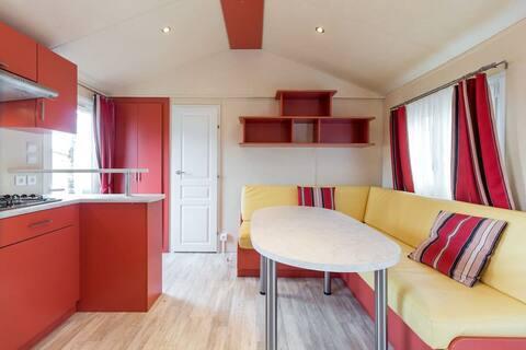 Cómodo hogar móvil F con 2 dormitorios
