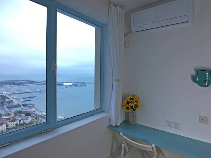 「180°海景房」距海200米-鸟瞰浮山湾/奥帆中心-楼下看灯光秀/2号线地铁口200米