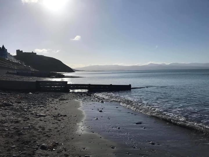 STUNNINGLY LOCATED 3 BED BUNGLAOW WITH SEA VIEWS