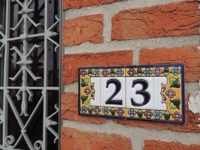 B&B Stoega, A friendly welcome in Bruges - บรูจส์ - ที่พักพร้อมอาหารเช้า