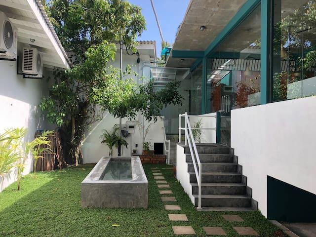 Dots Bay House - Shared Hostel Studio
