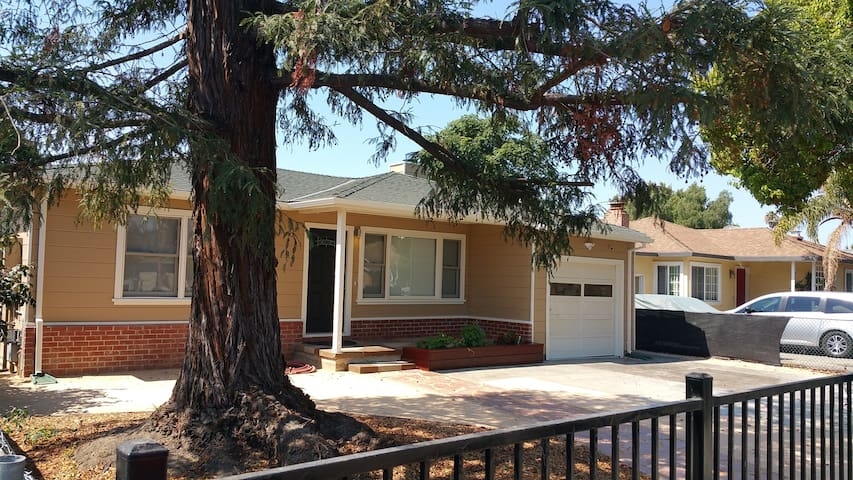 Beautiful 3 bedroom 2 bath home in great location