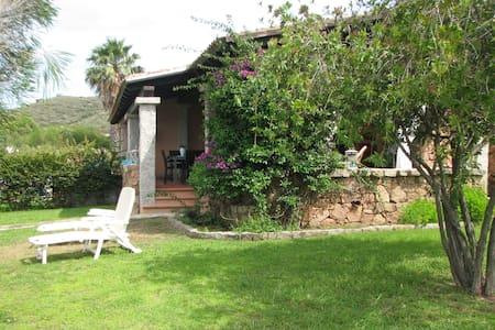 Casa vacanza a Miriacheddu, San Teodoro - Lu Miriacheddu - 一軒家