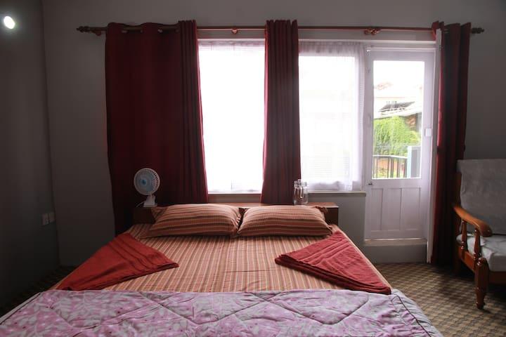 Breezy King Bedroom w Attch Bathroom & Balcony