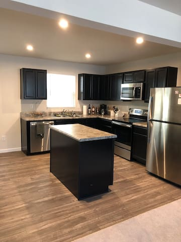 Charming Townhome 20min from Uptown Charlotte
