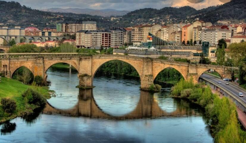 Habitación luminosa priv Ourense  centro/Desayuno