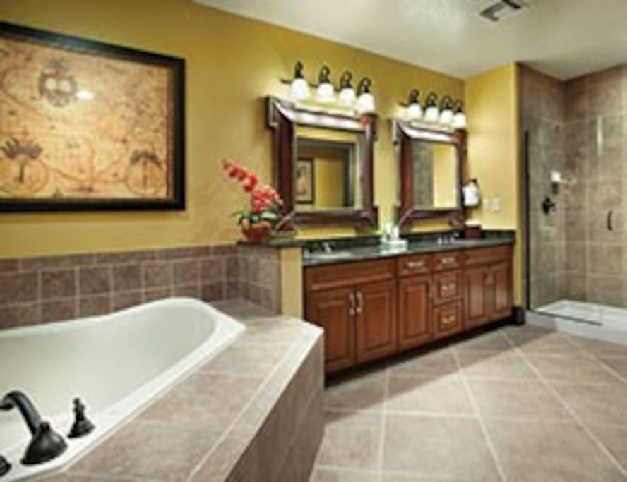 LUXURY MASTER BATH WITH WHIRLPOOL TUB