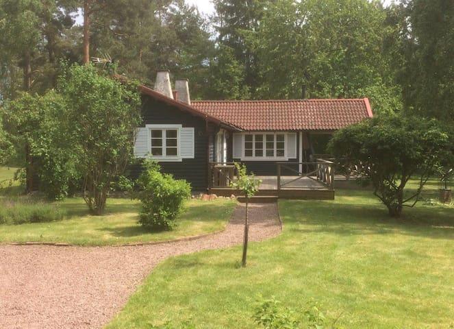 Schwedisches Sommerhaus am Meer - Oknö - Dům
