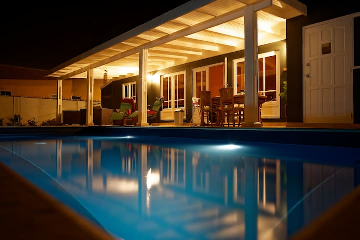 Luxury Villa with private pool near beach and city