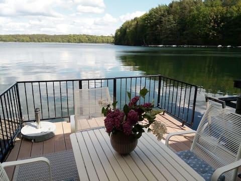 Bootshaus Nr. 7 - Urlaub auf dem Wasser