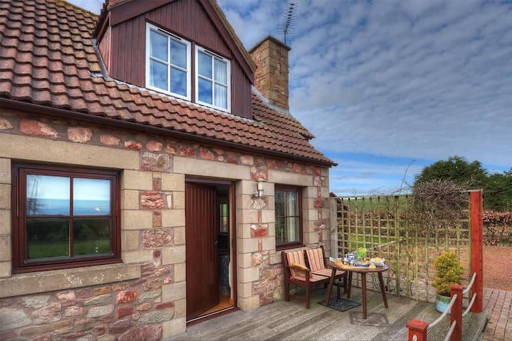 Alemill Holiday Cottage // Studio - Scottish Borders - Apartment