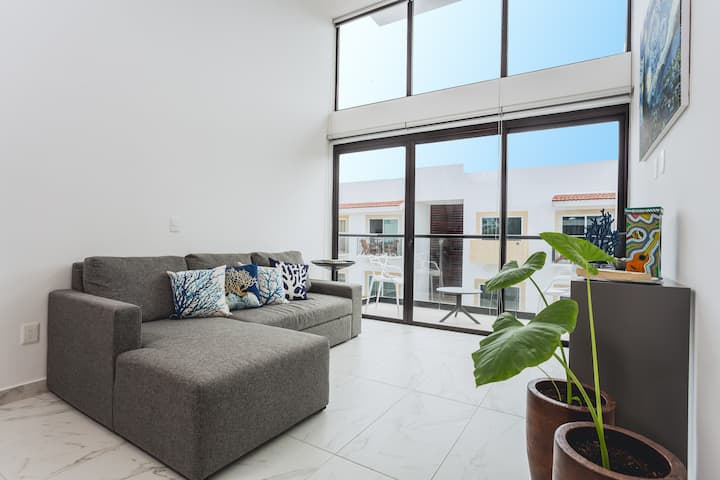 ❤2 BR condo in central PDC, 3 blocks from 5th Ave❤