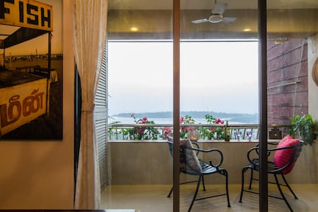 Private sea-view room with own entry and exit. - Mumbai  - 公寓