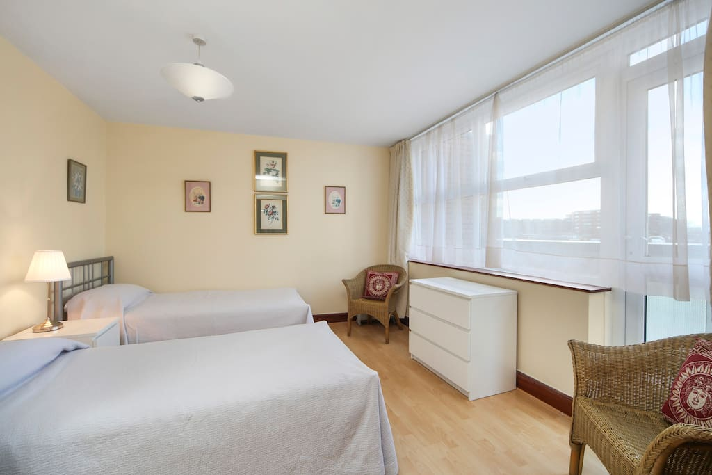 Bedroom with twin beds, also available with a double bed