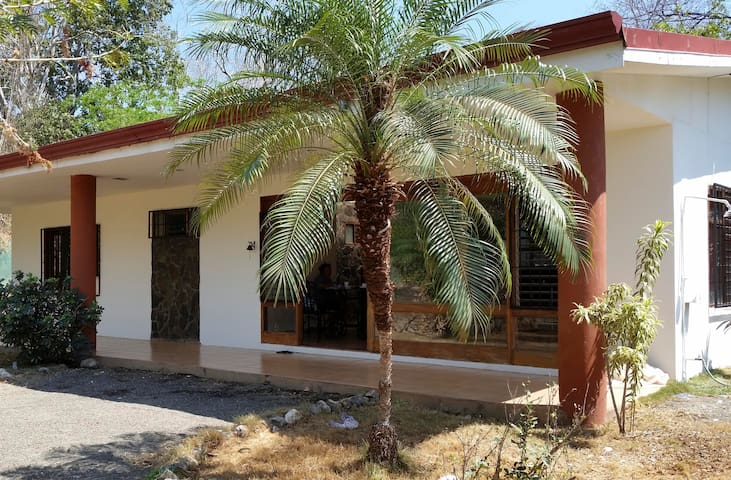 Great value Casa Blanca in Brasilito - Brasilito - Rumah