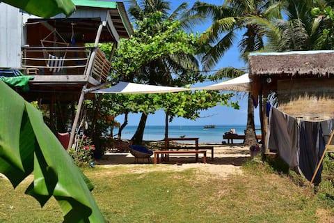 Beach House (Star House), Zatoka M'Pai