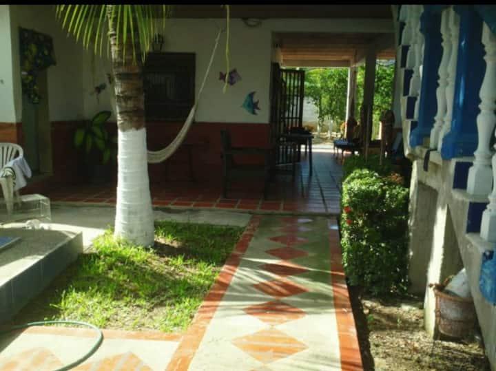 Casa de playa en Ocumare, ríos y montaña