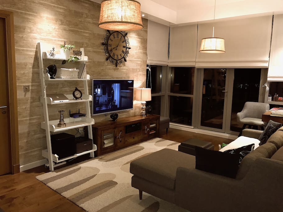 TV & living area by night