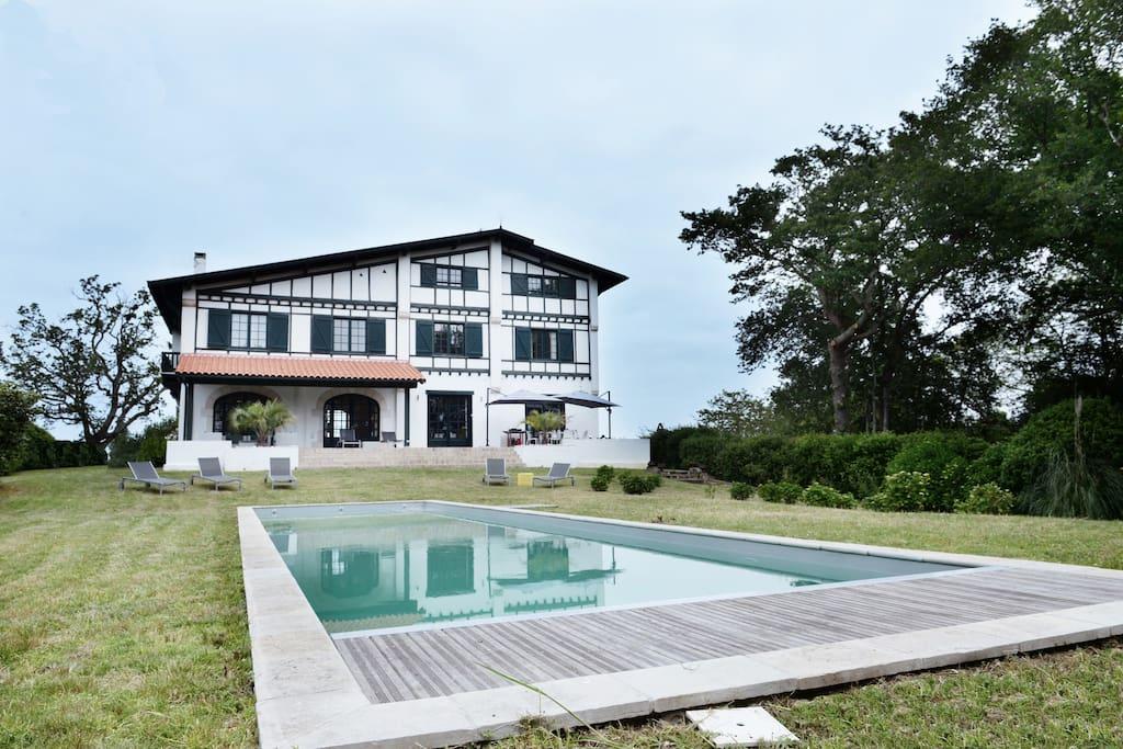 Bidart propri t avec piscine maisons louer for Piscine biarritz