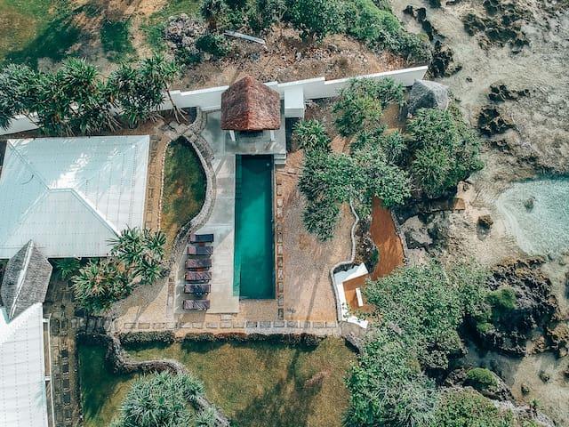 Bukurabeachhouse oceanfront villa