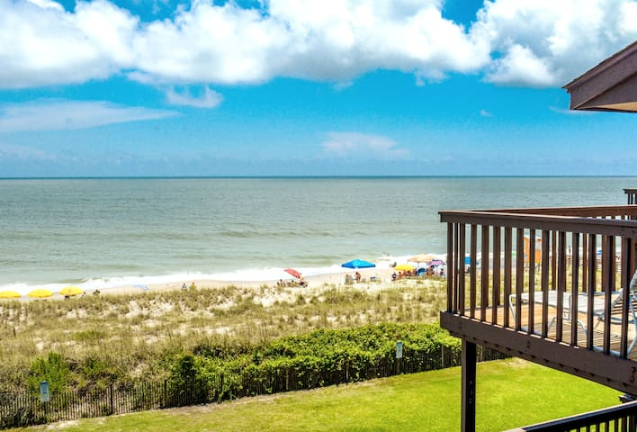 ☀️Beachfront Bliss☀️Low Rates Dec and Jan!