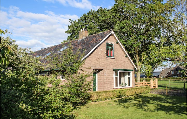 Holiday cottage with 3 bedrooms on 160m² in Kamperveen