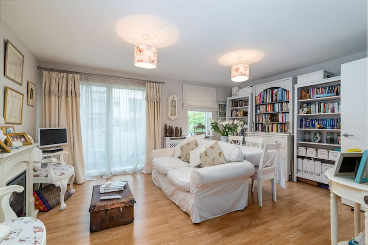 Spacious 1 bedroom apartment with a balcony