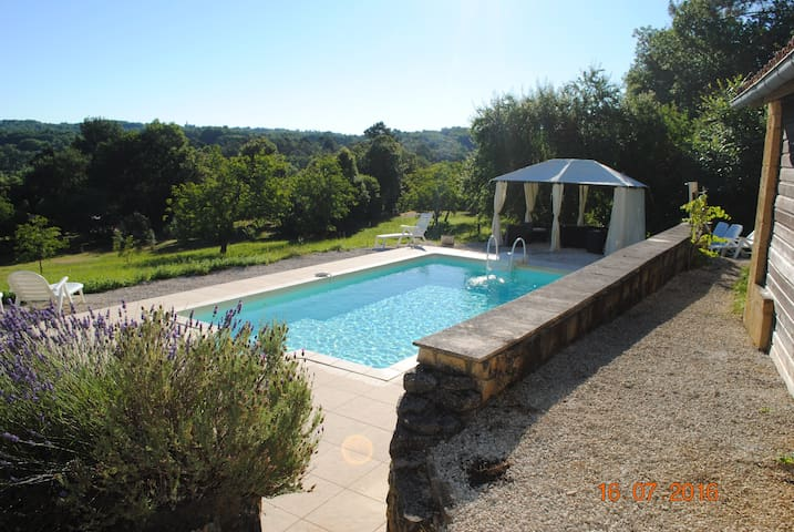 Charming Farmhouse with pool - Campagnac les Quercy - Casa