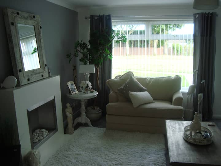 Lovely cosy 3 bed home in Hadrian Park,Newcastle