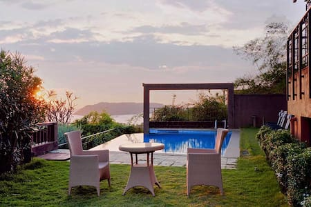 Sky Villa-Luxury 4 Bedroom with a Private Pool