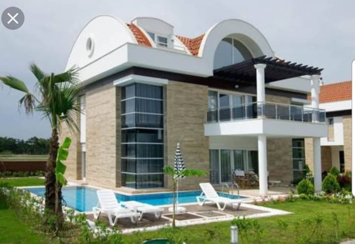400 m2 Seapearl Golf Villa