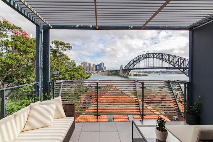 Breathtaking Sydney Harbour top floor apartment.