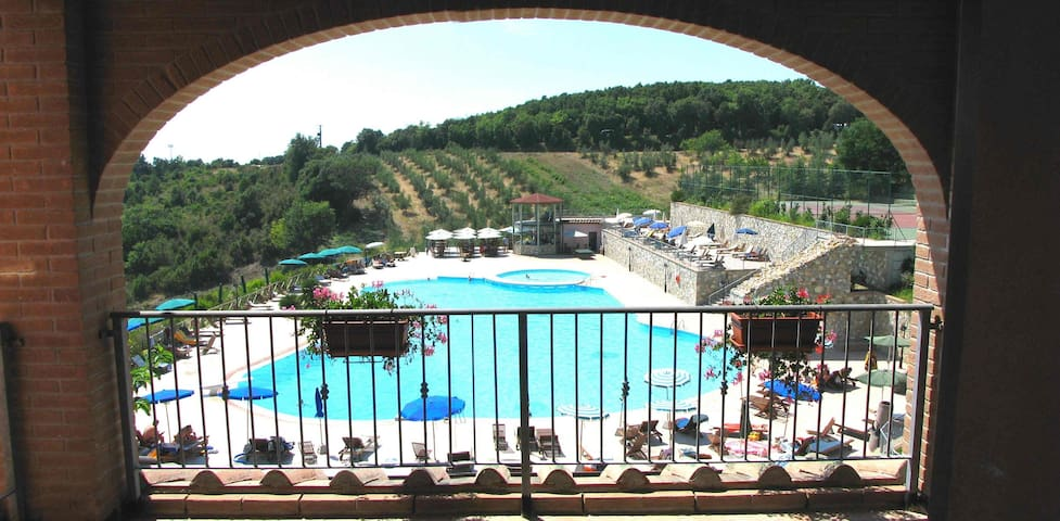 2 ROOMED APARTMENT IN A BORGO - Riparbella - House