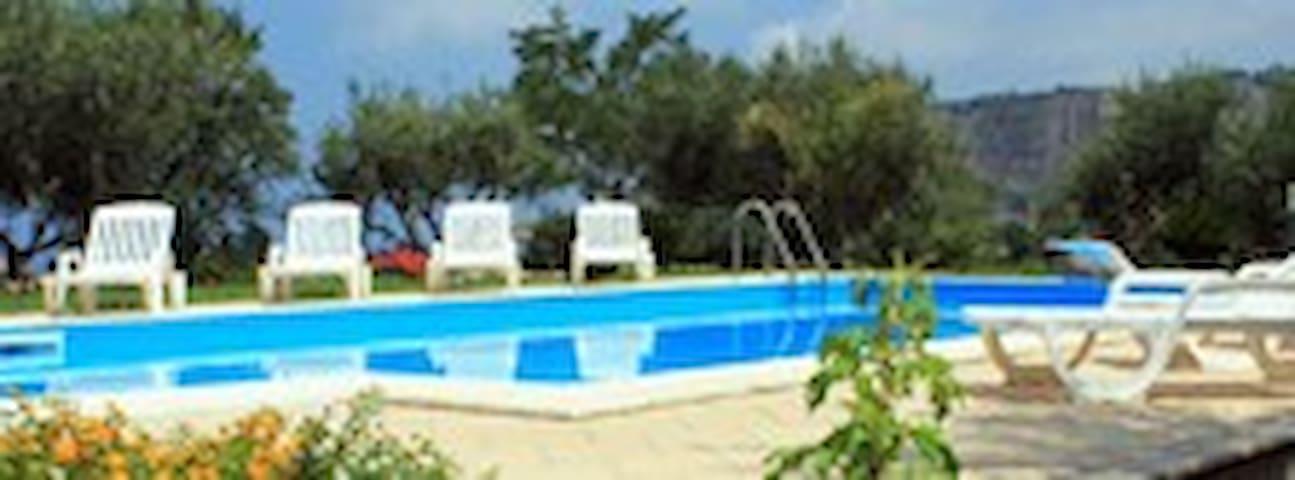 Case Vacanze con Piscina 2