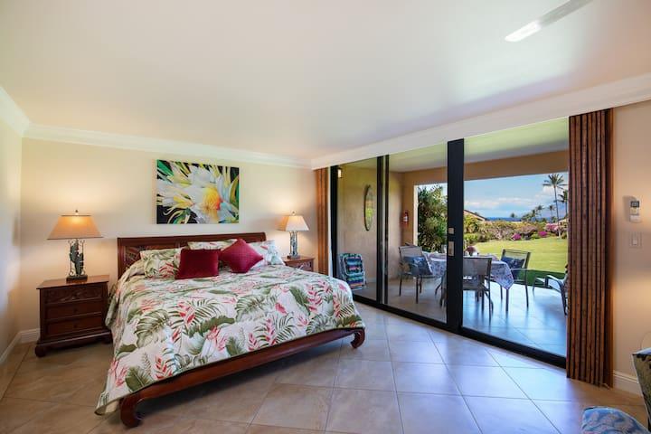 Oceanview Beachfront King Bed Studio Wailea Ekahi