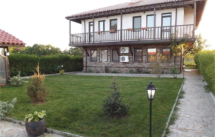 Terraced house with 3 bedrooms on 135m² in Velika Village