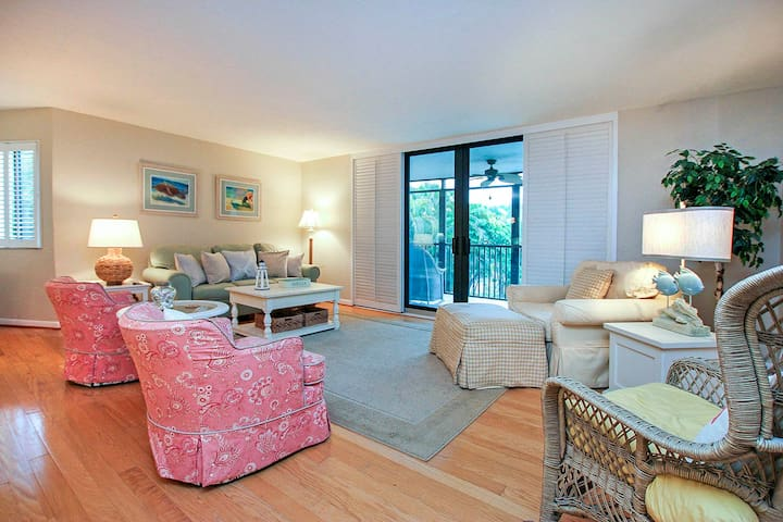 Beautiful Condo in Compass Point with Direct Beach Access PLUS $100 VIP Beach Discounts!