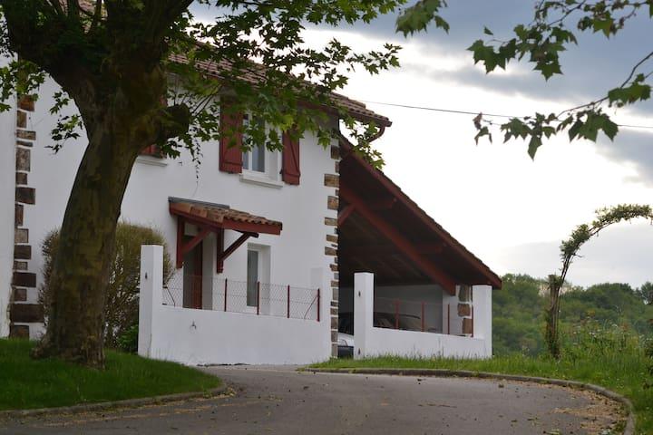 Maison de campagne au Pays Basque - Hasparren - Hus