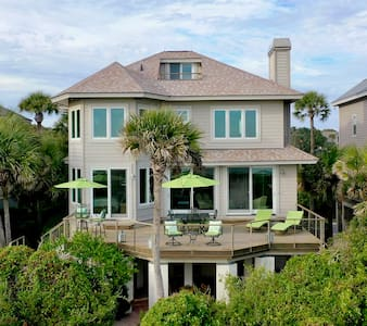 4 Bedroom Beachfront Home