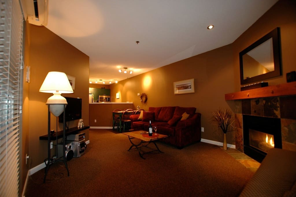 Living space with gas fireplace