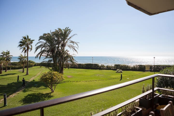 Gava Mar Castelldefels Beachfront Apartment