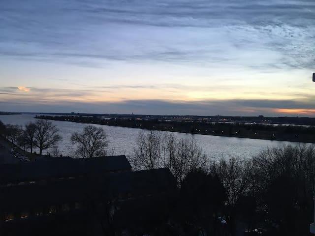 1BR  with Potomac Views, 1 Mile from National Mall - Washington - Leilighet