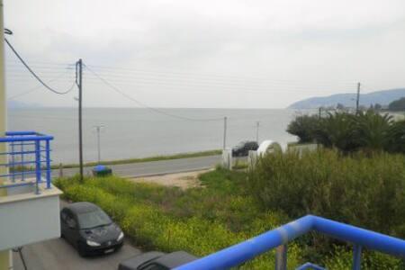 ΔΙΠΛΑ ΣΤΗ ΘΑΛΑΣΣΑ - Argolida - Apartment