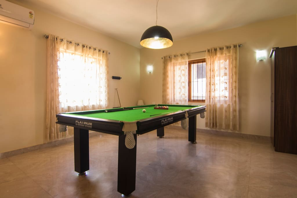 Private Pool Table